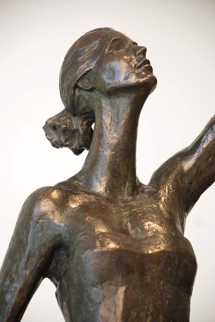 Aurora Vi Corbin Bronze